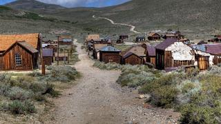 Image of a ghost town for the Yale Alumni Academy Summer 2020 course
