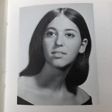 Cynthia Brill's '72 Yearbook photo